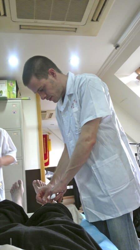 Urs Schelbert in Hangzhou Akupunktur Klinik